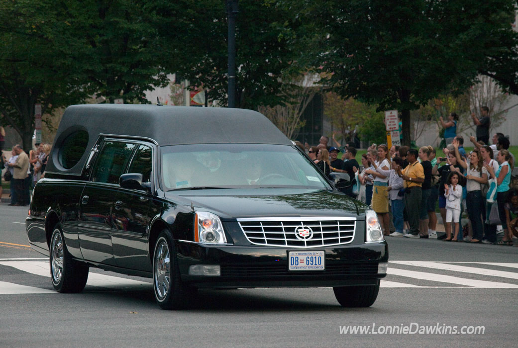 Hearse carrying Sen. Kennedy as well wishers applaud his life and legacy