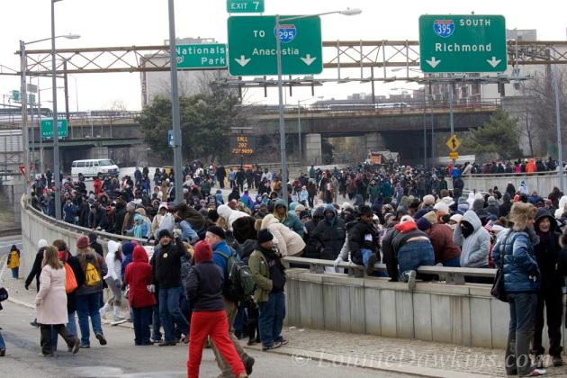 large crowds had to use highway as sidewalk