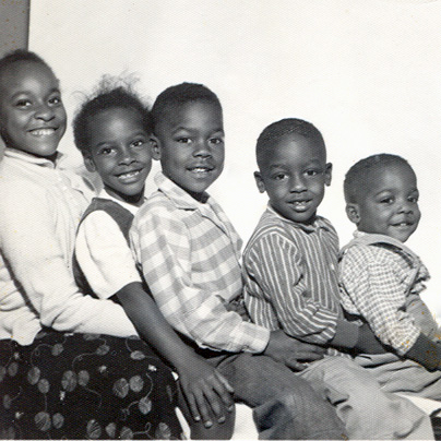 5 siblings from the 1950s